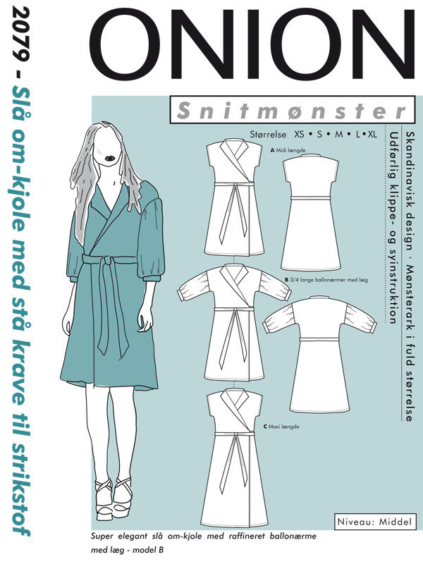 Slå om-kjole med stå krave til strikstof, str. XS-XL - Onion 2079 - Onion