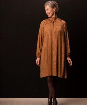 Kjoler med vidde og ståkrave, str.XS-XL - Onion 2084 - Onion
