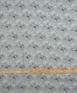 Blade på lyseblå - Viskose -