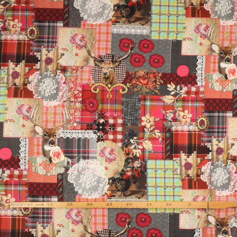 Multifarvet mønster og hjorte - Boligtekstil -