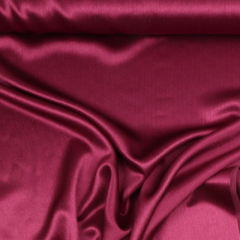Kringlet satin, rødlilla - Polyester -