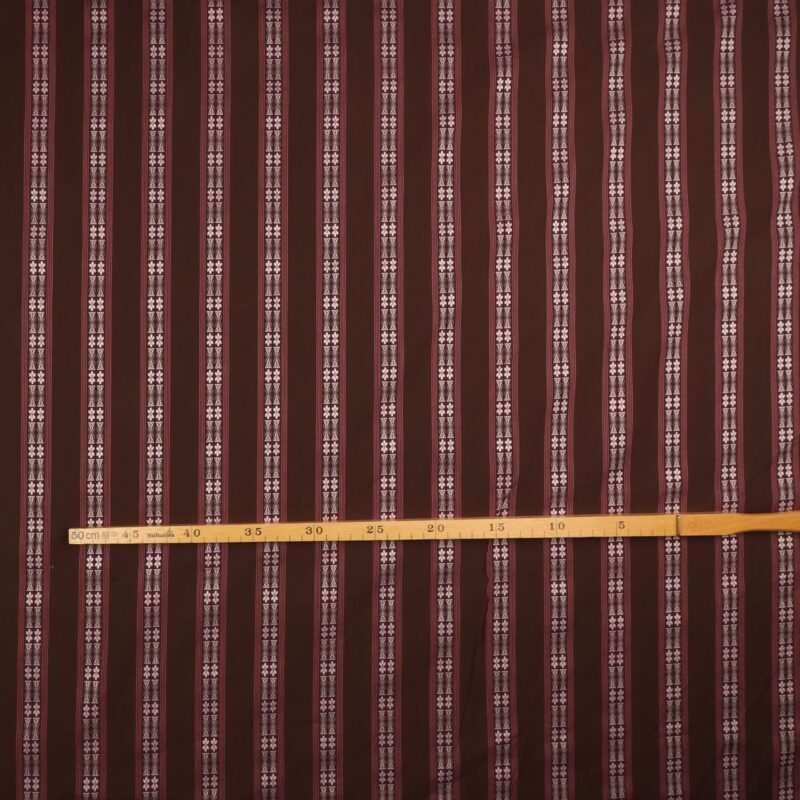 Brun m. mønster i striber - Bomuld/polyester -