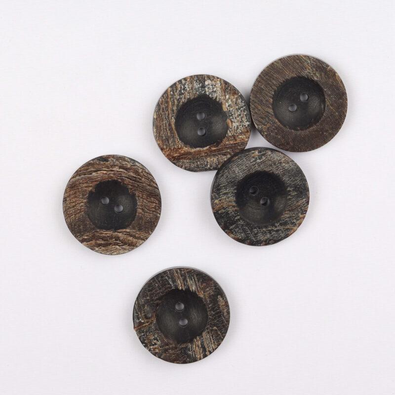 Sort, brun - Hornknap 25 mm -