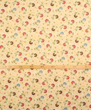 Patchwork - Blomst og blade på lys brun bund -