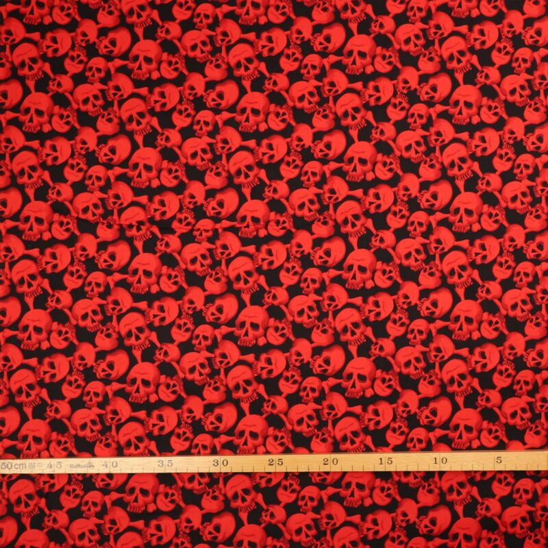 Røde dødningehoveder på sort - Patchwork -