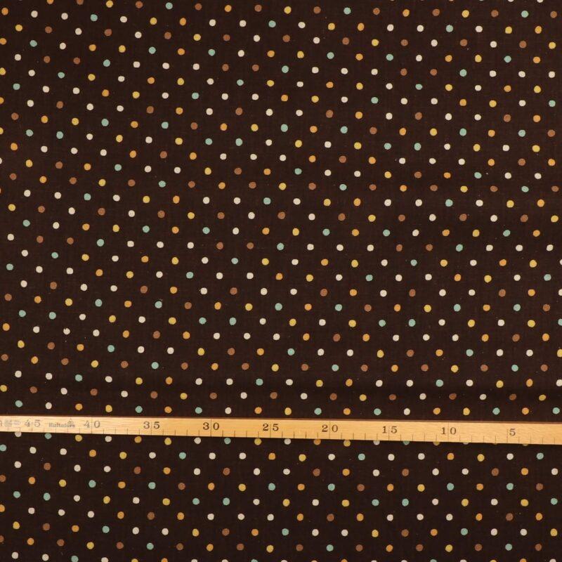 Patchwork - Farvet prikker på mørkebrun -