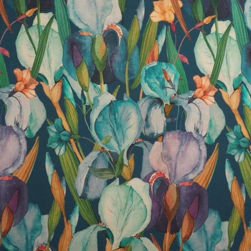 Blomster og blade på blågrøn bundfarve - Jersey (Gots certificeret) -