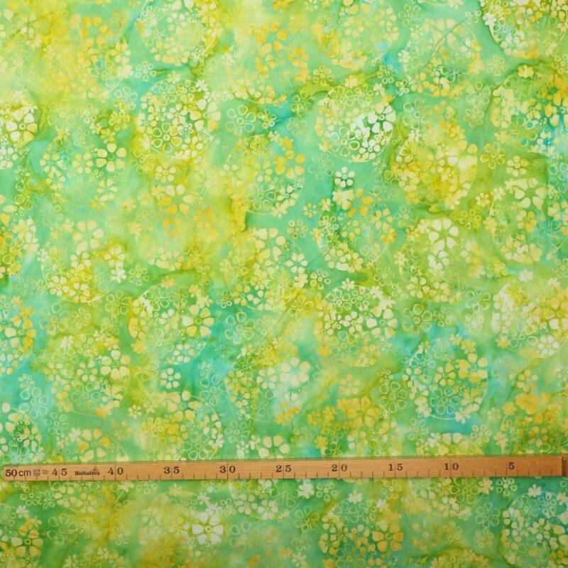 Gulgrønt mønster på grøn - Bali -