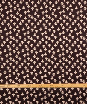 Lyserøde svampe på mørkebrun bundfarve - Patchwork -