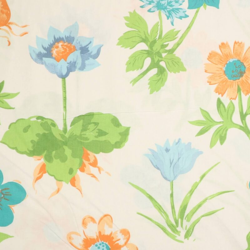 Store blomster på hvid - Boligtekstil -