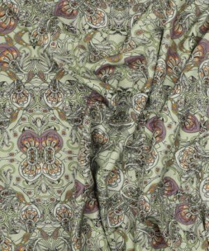Mønster på lysegrøn - Rayon -