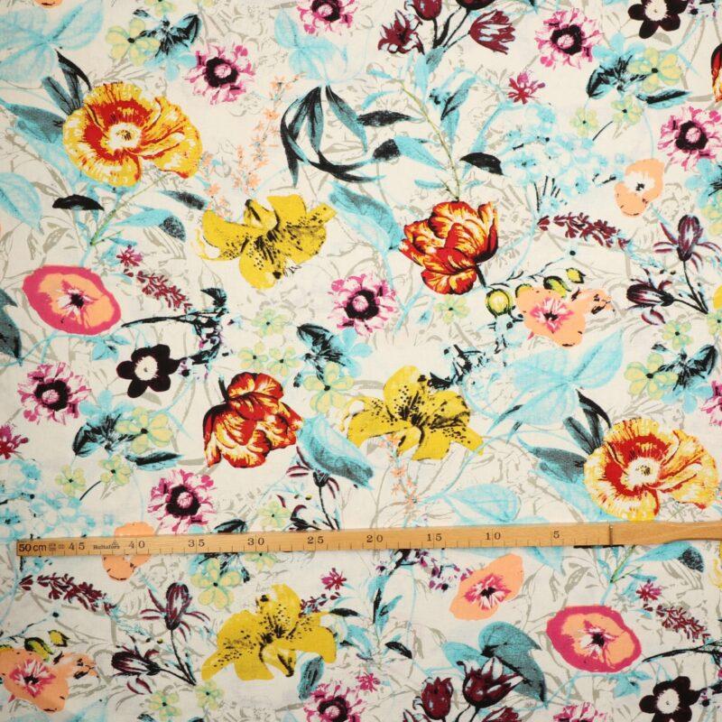 Blomster på offwhite bundfarve - hør/bomuld -