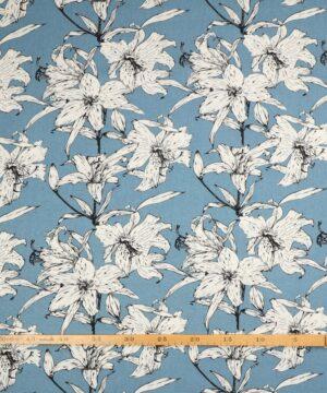 Hvide blomster på blå bund - Viskose, hør -