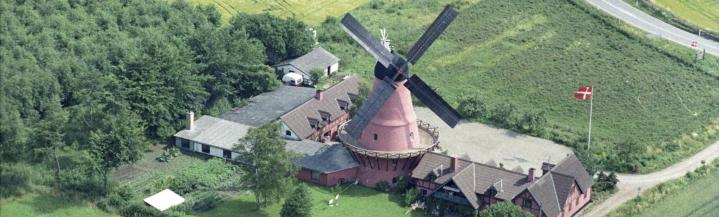 Luftfoto bag Aastrup mølle