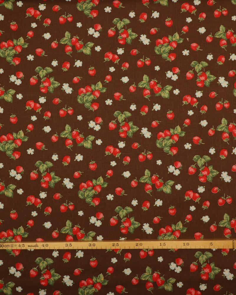 Jordbær på brun - Patchwork -