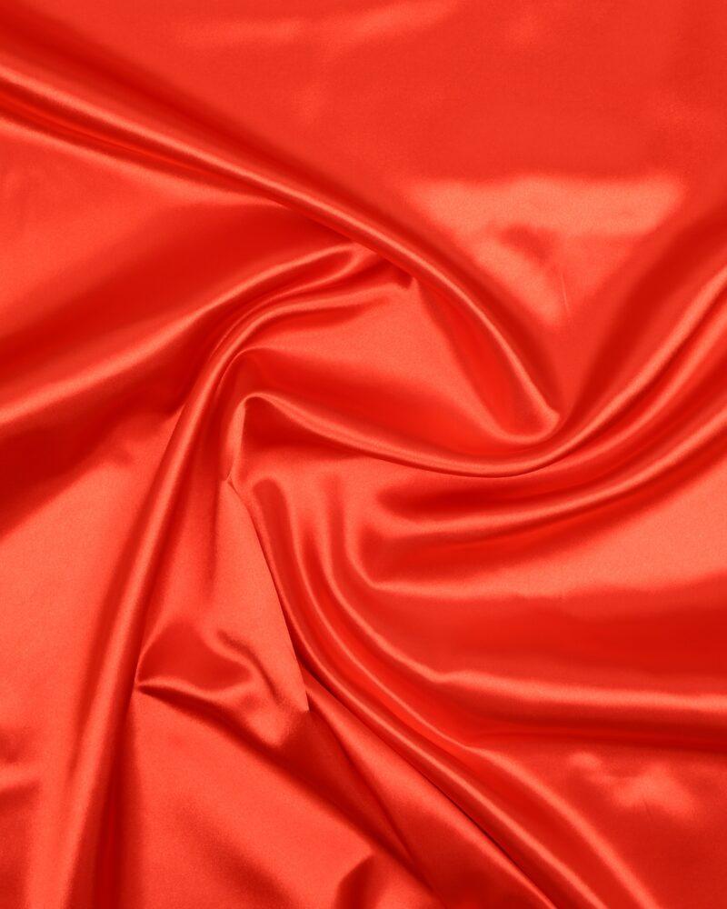 Lys rød - Satin - Info mangler